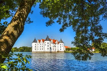 GER8738AW Castle Glücksburg, Flensburg fjord, Baltic coast, Schleswig-Holstein, Germany