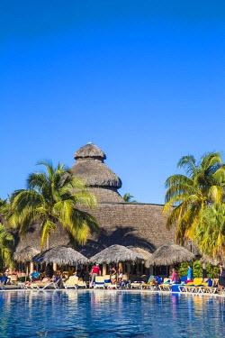 CB02367 Cuba, Varadero, Varadero beach, Hotel swimming pool