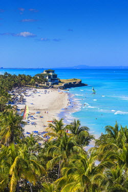 CB02446 Cuba, Varadero, View over Varadero beach towards Xanadu mansion