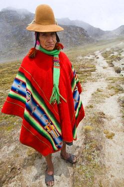 HMS0875281 Peru, Carabaya Cordillera, Sinakara Range, Cuzco Province, Q'ero indigenous people, the ultimate descendants of Incas, Japu community, annex of Yanaruma, during the February carnival, the village lead...