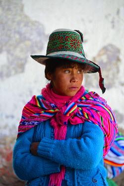 HMS1394123 Peru, Cuzco province, Livitaca, Feria de San Sebastian, which meets all the Indian communities in the region, youg woman in traditional dress Chumbivilcas
