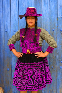HMS1394126 Peru, Cuzco province, Livitaca, Feria de San Sebastian, which meets all the Indian communities in the region, woman in traditional dress Chumbivilcas