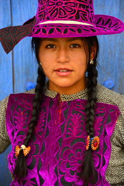 HMS1394127 Peru, Cuzco province, Livitaca, Feria de San Sebastian, which meets all the Indian communities in the region, woman in traditional dress Chumbivilcas