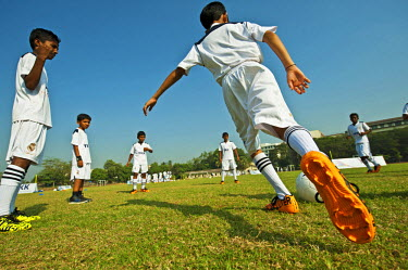 AS10AAS0214 India, Maharashtra, Mumbai, YKK event with Real Madrid Foundation and Art in All of Us, training's session with Real Madrid coaches