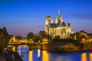 EU09BJN1394 Cathedral Notre Dame along the banks of River Seine, Paris, France