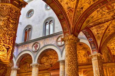EU16TEG1038 Inside the Particolare del cortile del Michelozzo in Palazzo Vecchio, Florence, Tuscany, Italy