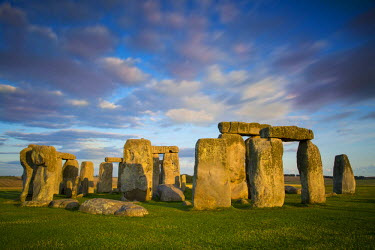 EU33BJN0263 Sunset over Stonehenge, Wiltshire, England