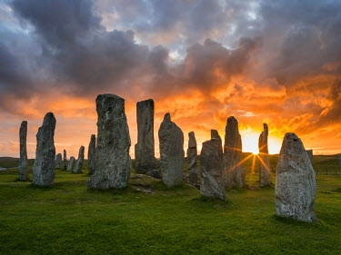 EU36MZW1070 Standing Stones of Callanish on the Isle of Lewis. The megalithic monument is cross shaped with a central ring of stones and was built between 2900 and 2600 BC. Scotland, UK