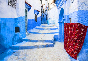 MOR2209AW Blue-washed streets of Chefchaouen, Morocco
