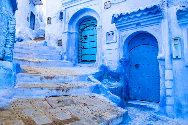 MOR2212AW Blue-washed streets of Chefchaouen, Morocco