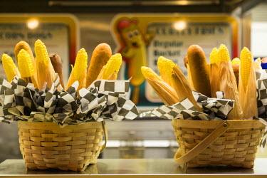 US31JMR0098 Corn dog and corn display, Wildwood, New Jersey, USA
