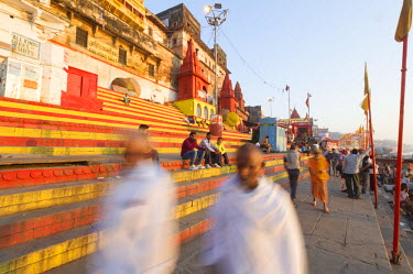 IND7790AW Varanasi, Uttar Pradesh, India, Asia. Morning scene on the ghats