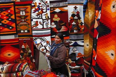 HMS2104014 Ecuador, Imbabura, Otavalo, typical coverage craft stall on the market of Otavalo