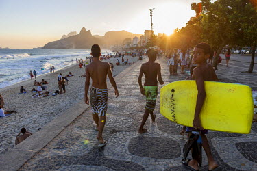 HMS1697051 Brazil, Rio do Janeiro, Ipanema district, the beach