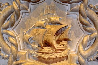 PT01300 Sail ship, Tomb of navigator Vasco da Gama, Jeronimos monastery (Hieronymites Monastery), Church of Santa Maria, Lisbon, Portugal