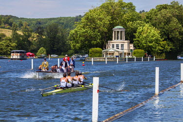 ENG12391 UK, Berkshire, Henley upon Thames. Coxless fours pull away from the start (Temple) at Henley Royal Regatta.