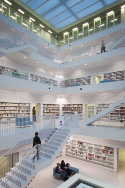 DE05424 Germany, Baden-Wurttemburg, Stuttgart, Mailander Platz, new Stuttgart city library, interior