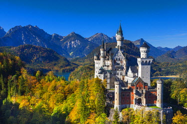 Germany, Bavaria, Hohenschwangau, Schloss Neuschwanstein castle, elevated view, fall