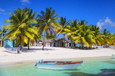 DM01381 Dominican Republic, Punta Cana, Parque Nacional del Este, Saona Island, Mano Juan, a picturesque fishing village