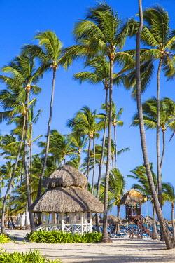 DM01445 Dominican Republic, Punta Cana, Playa Cabeza de Toro, Thatched gazebo at Dreams Palm Beach resort