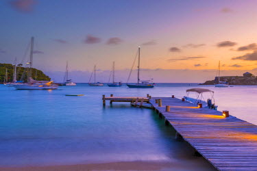 AB01105 Caribbean, Antigua, Freeman's Bay, Galleon Beach at dusk