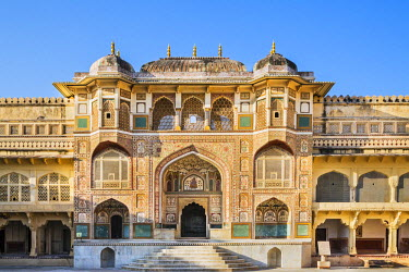 IND7836 India, Rajasthan, Jaipur, Amer.  The Ganesh Gate leading to the main palace of the magnificent 16th century Amber Fort.