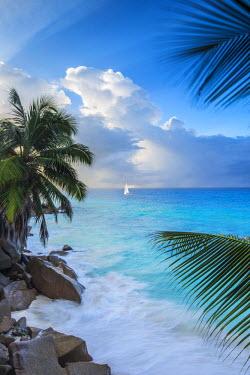 SC01399 Tropical beach, La Digue, Seychelles