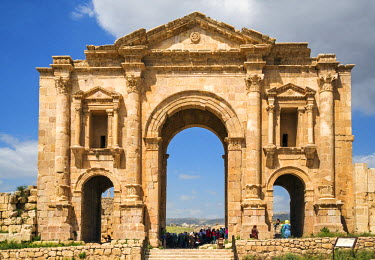 JOR0361 Jordan, Jerash.  The magnificent Hadrian�s Arch was built in 129 AD to honour Emperor Hadrian�s visit to the ancient Roman city of Jerash. It is one of the largest known arches of the Roman Empire.