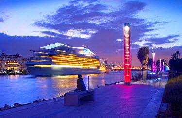 US11739 Florida, South Pointe Park, Miami Beach, Shipping Channel, Cruise Ship Leaving PortMiami