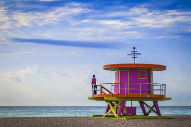 US11748 U.S.A, Miami, Miami beach, South Beach, Life guard beach hut