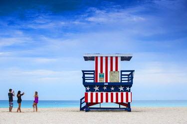 US11752 U.S.A, Miami, Miami beach, South Beach, Life guard beach hut