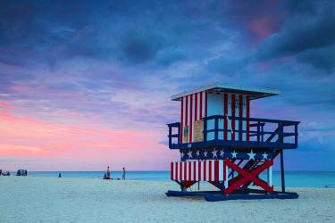 US11755 U.S.A, Miami, Miami beach, South Beach, Life guard beach hut