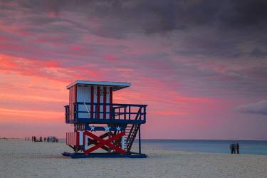 US11756 U.S.A, Miami, Miami beach, South Beach, Life guard beach hut