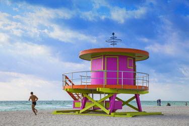 US11780 U.S.A, Miami, Miami beach, South Beach, Life guard beach hut