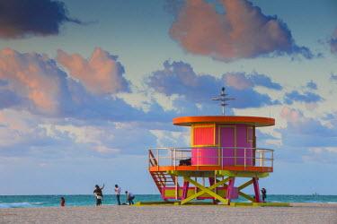 US11794 U.S.A, Miami, Miami beach, South Beach, Life guard beach hut