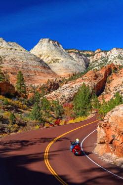 US04683 USA, Utah, Zion National Park, Highway 9, Zion Park Boulevard