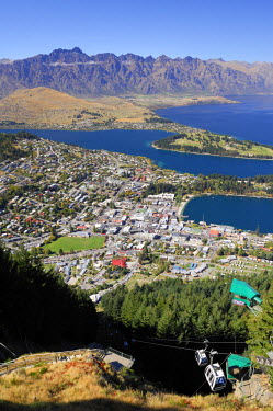 HMS0847477 New Zealand, South Island, Region of Otago, Queenstown, Wakatipu Lake, overview