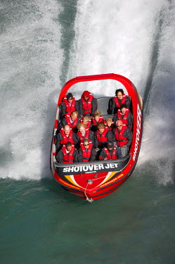 HMS0847484 New Zealand, South Island, Region of Otago, Queenstown, Kawarau River, boat trip with the Shotover Jet