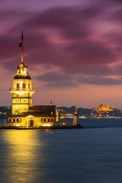 TUR0344AW Dusk view over Maiden's Tower or Kiz Kulesi, Uskudar, Istanbul, Turkey