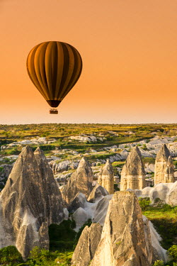 TUR0378AW Sunrise landscape with hot air balloons, Goreme, Cappadocia, Turkey