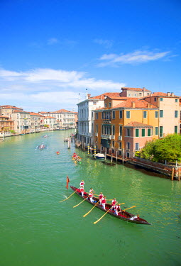 ITA4664 Italy, Veneto, Venice. During the Vongalonga rowing boat Festival on the Gran Canal.