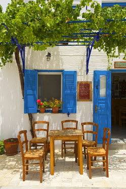 GRE1043AW Tavern in Lefkes, Paros Island, Cyclades, Greece