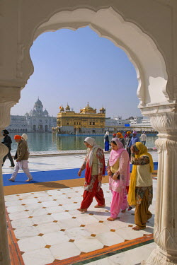 IND7890AW Asia, India, Punjab, Amritsar, The golden temple