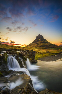 ICE3442AW Snaefellsness peninsula, Iceland. Midnight sun at the Kirkjufell mountain.