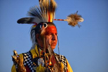 USA10101AW USA, Arizona, Tucson, Lakota Indian in full regalia