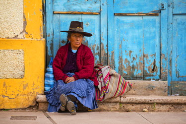 PER33850AW South America, Peru,Cuzco, Native village
