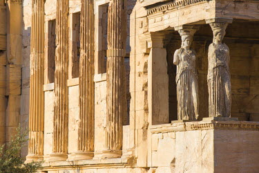 GR01314 Greece, Attica, Athens, The Acropolis, The Erechtheion, Porch of the Caryatids