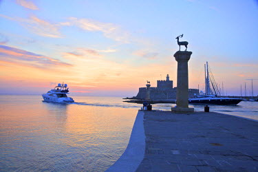 GR10128 Bronze Doe and Stag Statues At The Entrance Of Mandraki Harbour, Rhodes, Dodecanese, Greek Islands, Greece, Europe