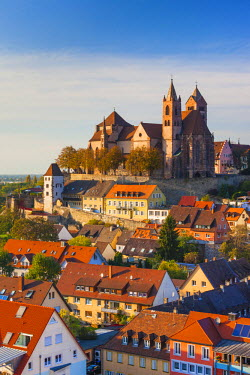 DE05553 Germany, Baden-Wurttemburg, Black Forest, Breisach, St. Stephansmunster cathedral, built 15th century, elevated view