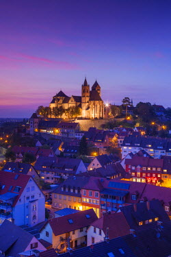 DE05556 Germany, Baden-Wurttemburg, Black Forest, Breisach, St. Stephansmunster cathedral, built 15th century, elevated view, dusk